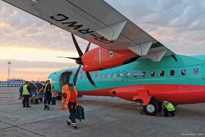 Разгрузка багажа и ручной клади из ATR 72-600