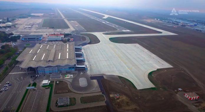Вид на аэропорт Одесса с высоты в ноябре 2020 года
