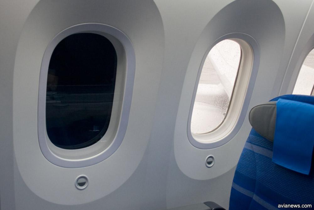 Пример работы затемнения окна на Boeing 787