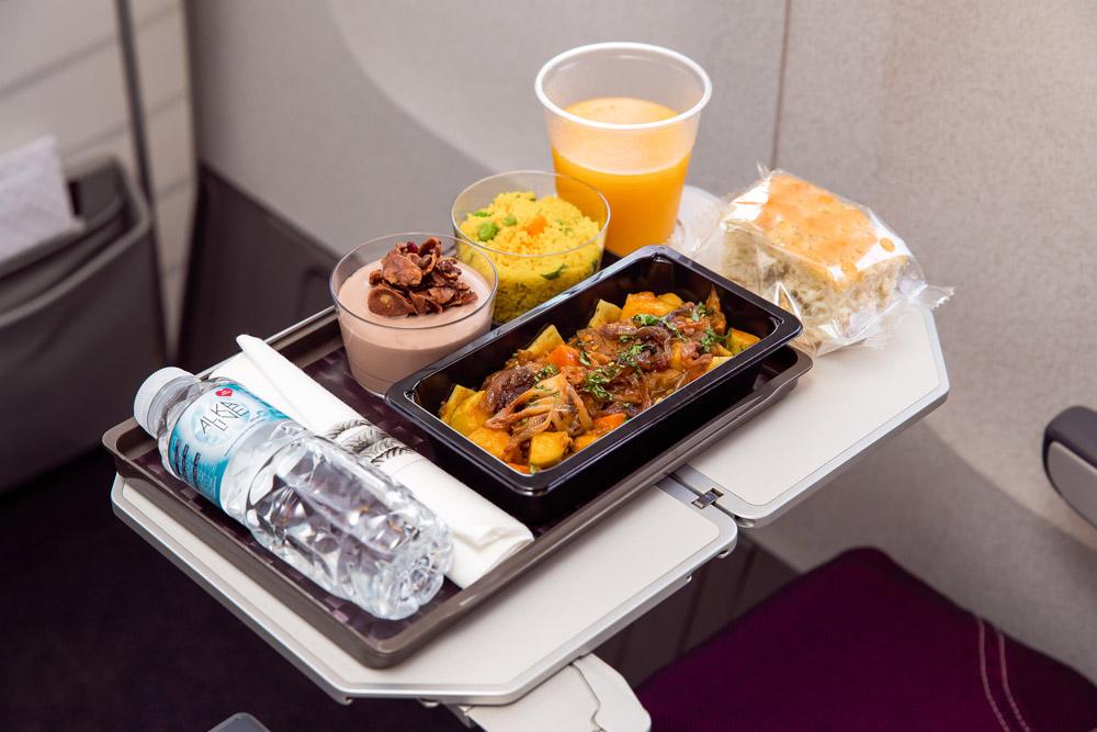 Питание в эконом-классе Qatar Airways