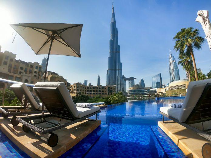 Вид на Бурдж-Халифу из отеля. Дубай, ОАЭ