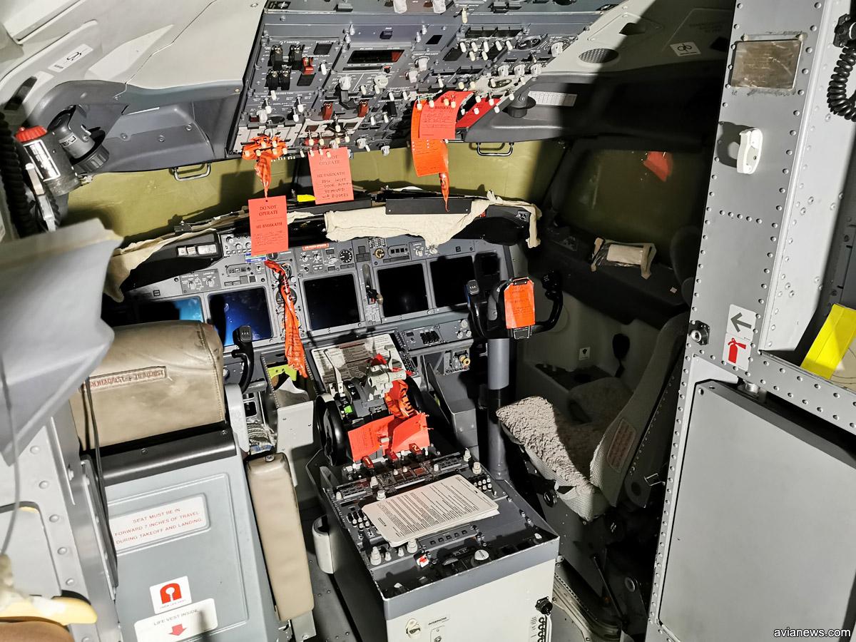 Кабина пилотов Boeing 737