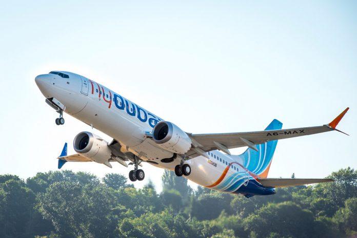 Взлет Boeing 737 MAX flydubai