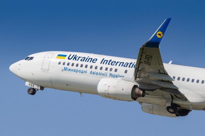 Взлет Boeing 737 МАУ