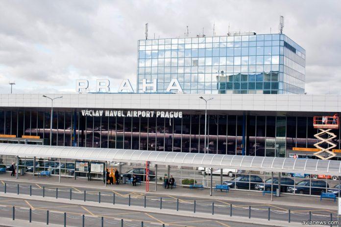 Терминал в аэропорту Прага