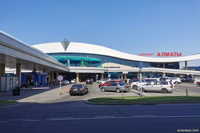 Терминал в аэропорту Алматы