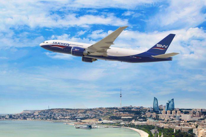 Boeing 777F Silk Way над Баку