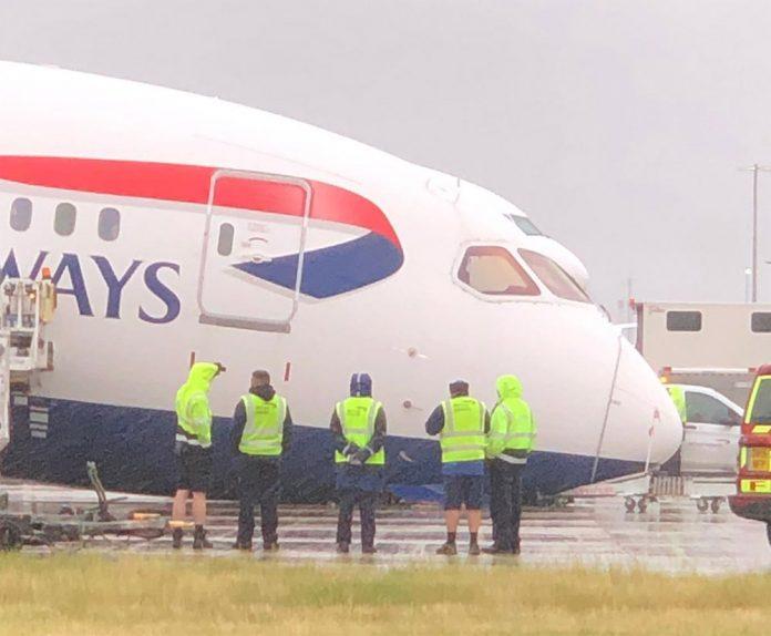 Boeing 787 British Airways, у которого сложилась носовая стойка