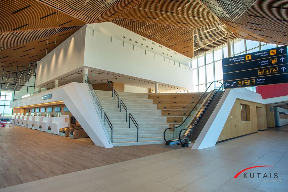 Зал регистрации в аэропорту Кутаиси