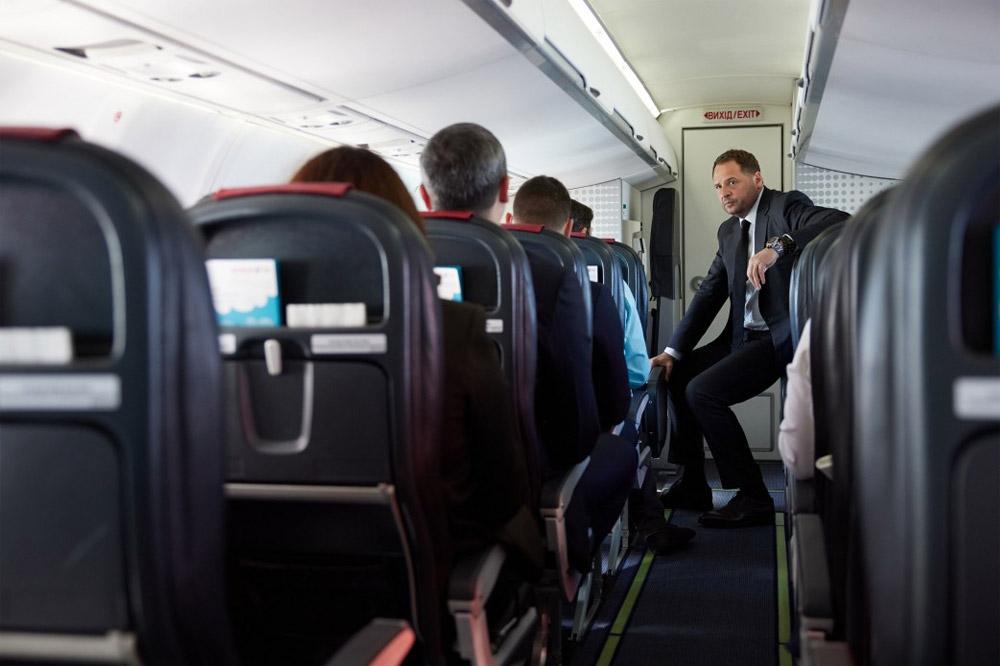 """Глава Офиса президента Андрей Ермак на борту ATR 72-600 """"Розы Ветров"""""""