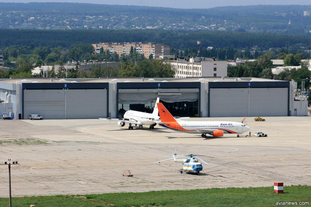 Терминал-ангар C в аэропорту Харьков