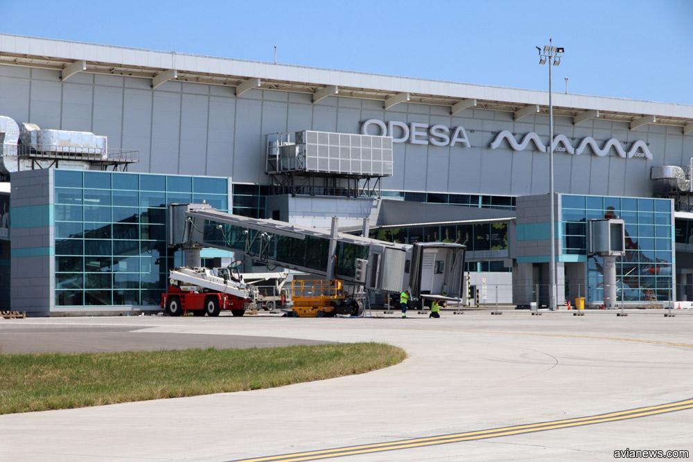 Установка телетрапа Thyssenkrupp в аэропорту Одесса