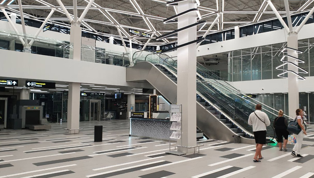 Зал регистрации в аэропорту Запорожье. Новый терминал