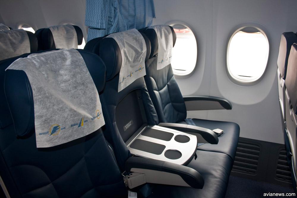 Концепция европейского бизнес-класса в Boeing 737: среднее кресло превращается в столик, салон отделен от эконом-класса шторкой