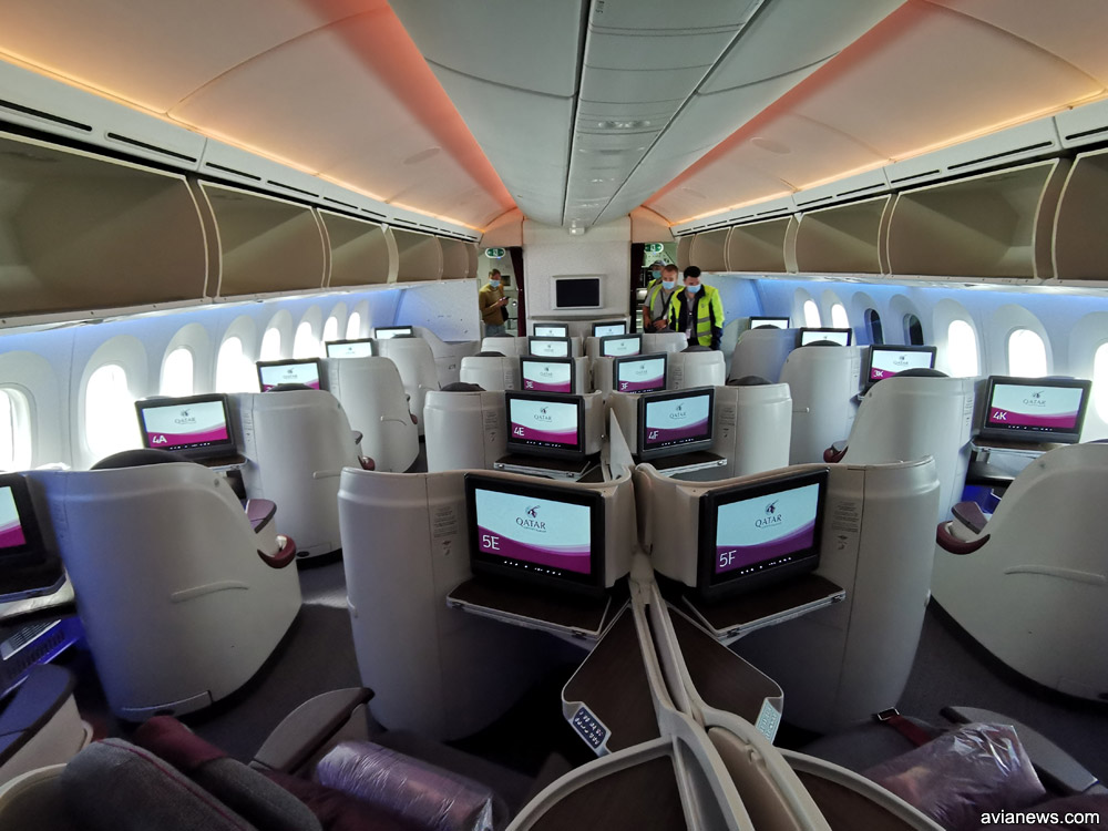 Салон бизнес-класса Boeing 787-8 Qatar Airways