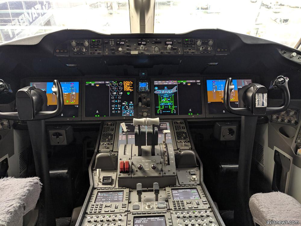 Гостиная в Boeing 787-8 Qatar Airways