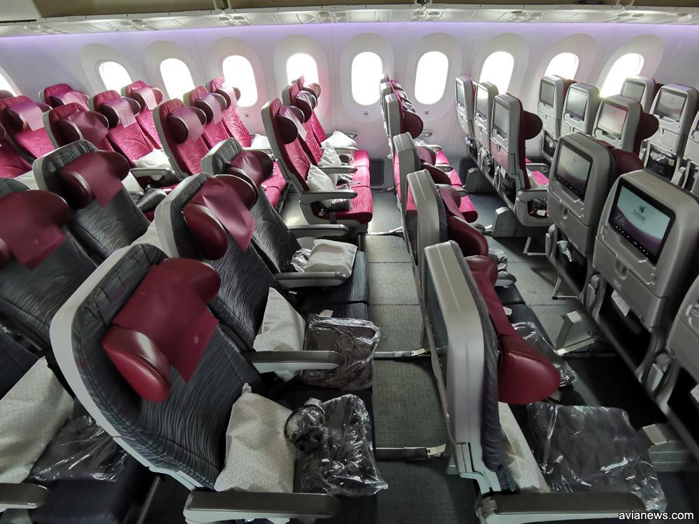 Салон эконом-класса Boeing 787-8 Qatar Airways