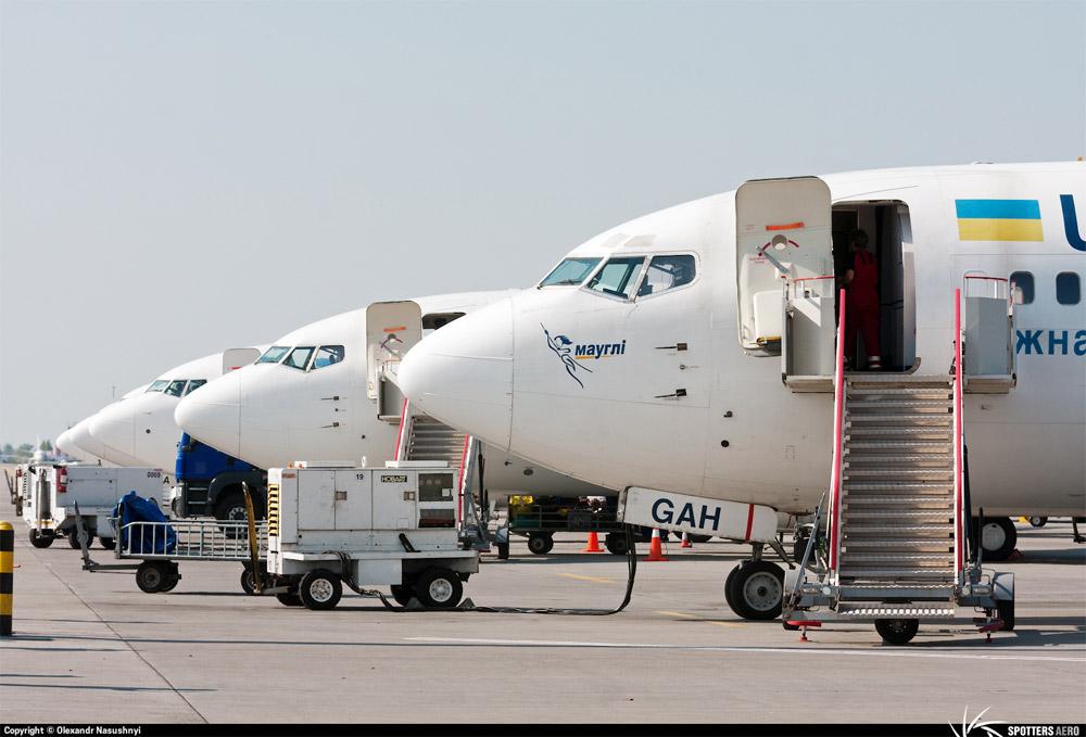 Boeing 737-300 МАУ с именем маугли