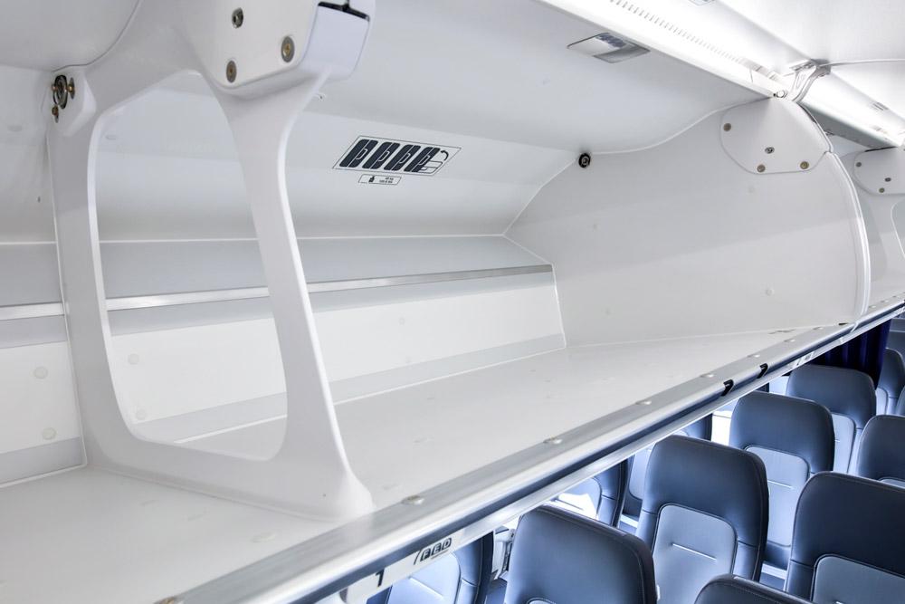 Размер полок в Airbus A321neo с салоном Airspace Cabin увеличили на 40%. Это позволило размещать чемоданы вертикально