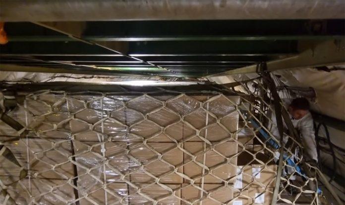 Загрузка Ан-225 Мрия под потолок