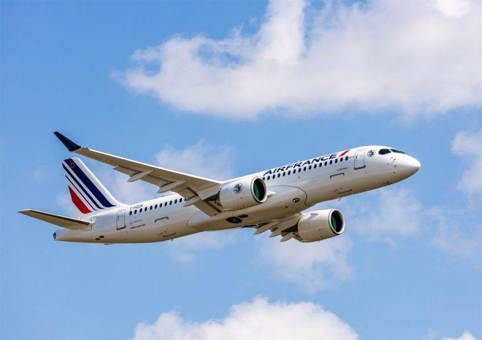 Airbus A220-300 Air France в полете