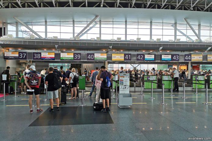Зал регистрации в аэропорту Борисполь, терминал D